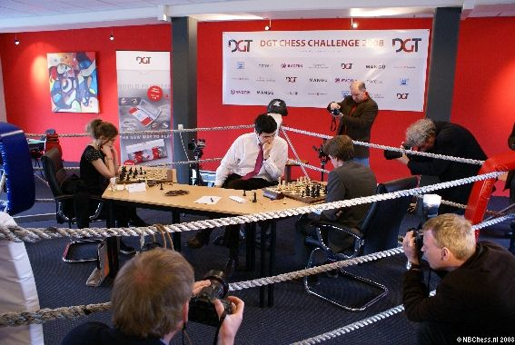 kramnik_simultan_2games
