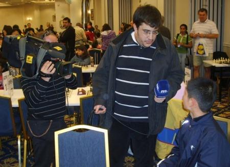 games-festival-tv-4-13382jucatorii-da-un-interviu-rapid-inaintea-partidelor-pe-tv-makedonia