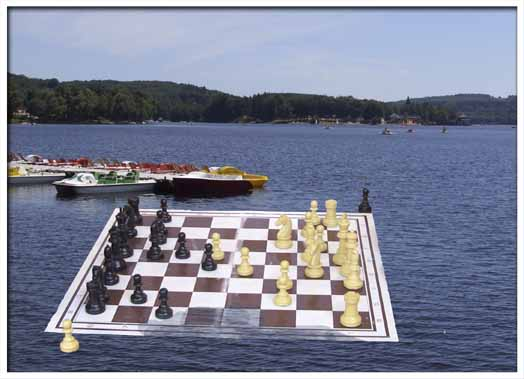 floating_chess