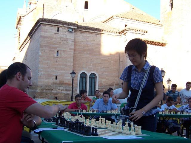 Hou _Yifan_3Simultaneasl Ciudad de Villarrobledo 2009 002