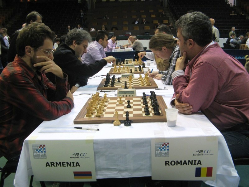 Armenia_Romania_23okt04