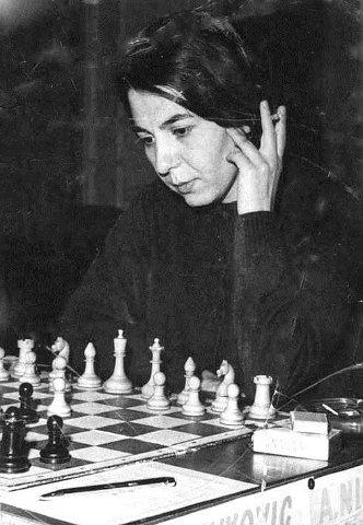 A mai plecat o legenda a sahului romanesc: Alexandra Nicolau. – Sah cu  Ceausescu